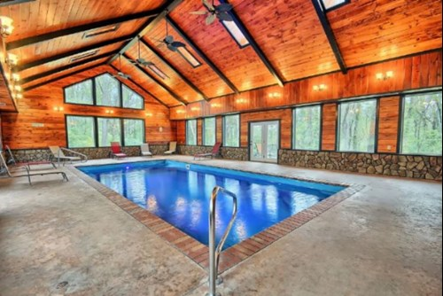 Four luxurious lodges in hocking hills with heated indoor pools for Public indoor swimming pools houston