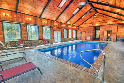 Four Luxurious Lodges In Hocking Hills With Heated Indoor